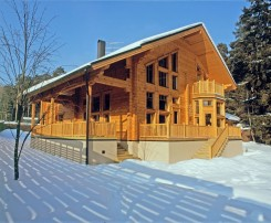 Model Scandinavia : high quality laminated log house from Finland