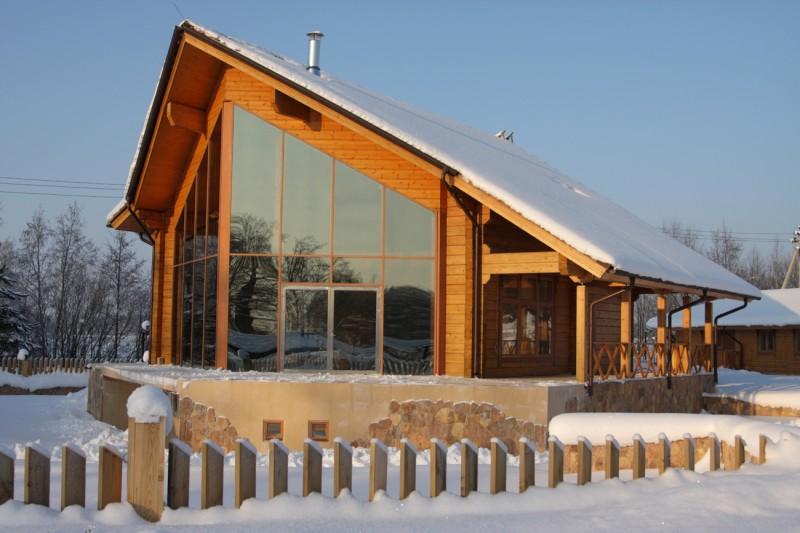 Maison en bois moderne finlandaise finlande chalet - Chalet en bois moderne ...