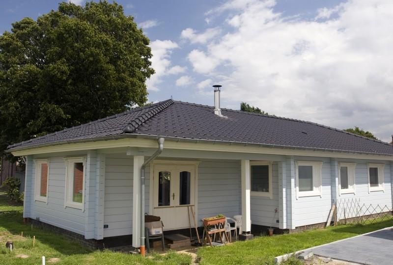 Fins huis modern houten huis uit finland - Foto modern huis ...