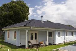 Modèle Melbourne : maison en bois moderne de la Finlande en madriers contre-collés