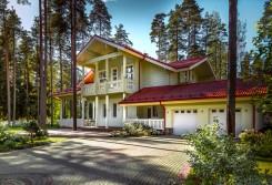 """Modèle """"Maison du Soleil"""" – Grande maison finlandaise en bois"""