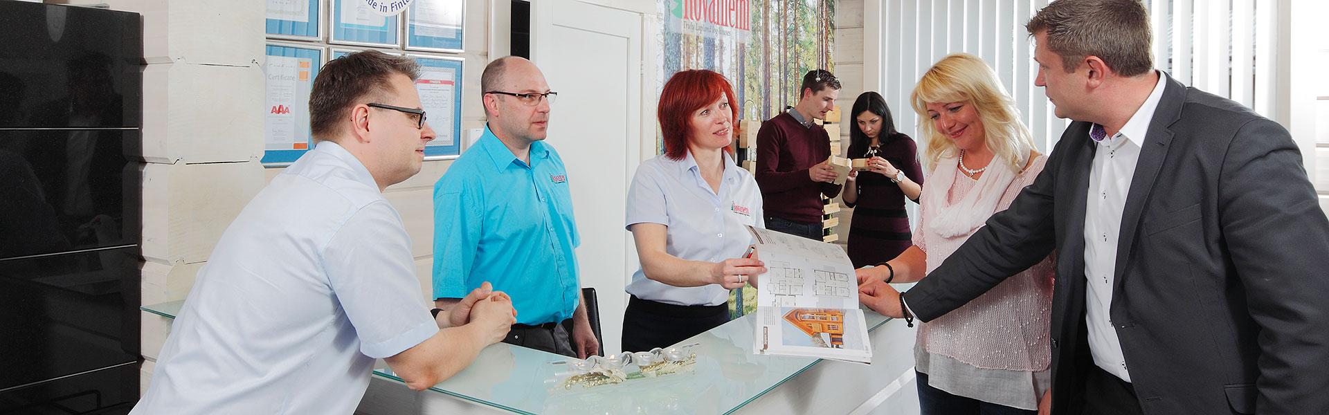 Rovaniemi Casas de Madera tiene la capacidad de proveer un gran servicio en un corto período de tiempo, como resultado de su organización y su proceso automático de montaje.