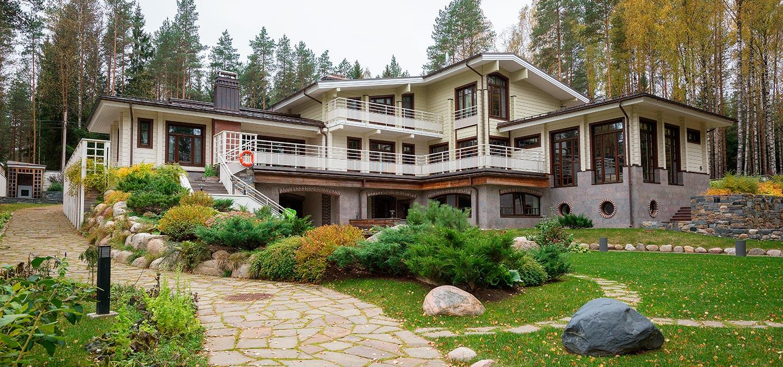Gorki – luxurious mansion by Rovaniemi Log House