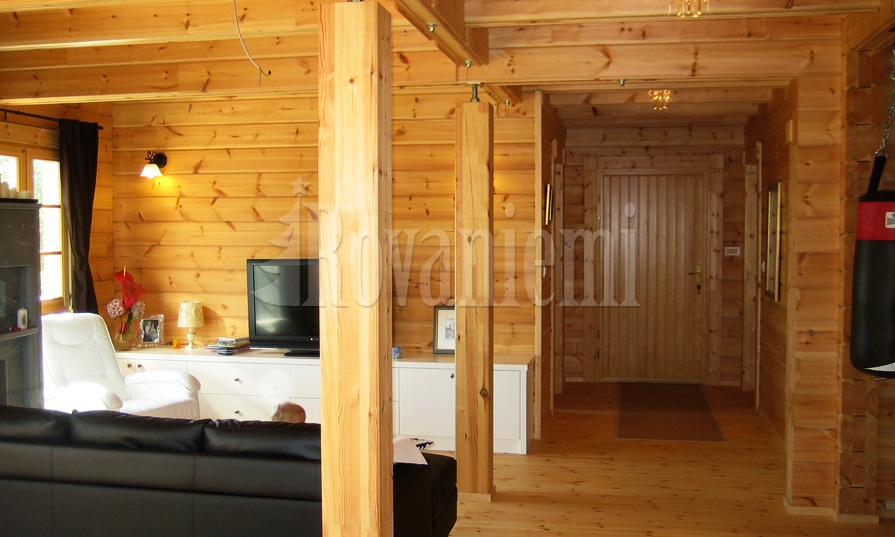 Jana interior – classic wooden cottage by Rovaniemi Log House