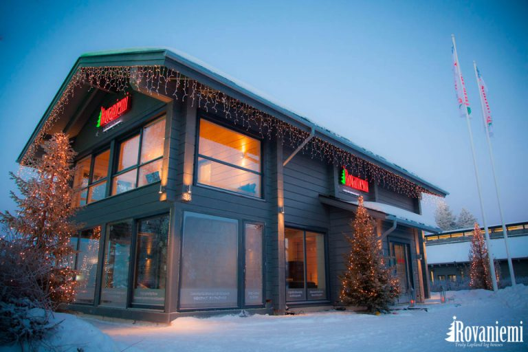 Rovaniemi Log House 'Kieppi' head office in Winter