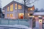 Sun House –bright and spacious wooden house by Rovaniemi Log House