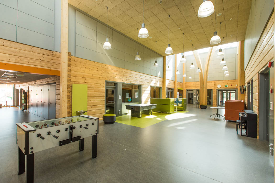 Pudasjärvi Log Campus – School lobby.