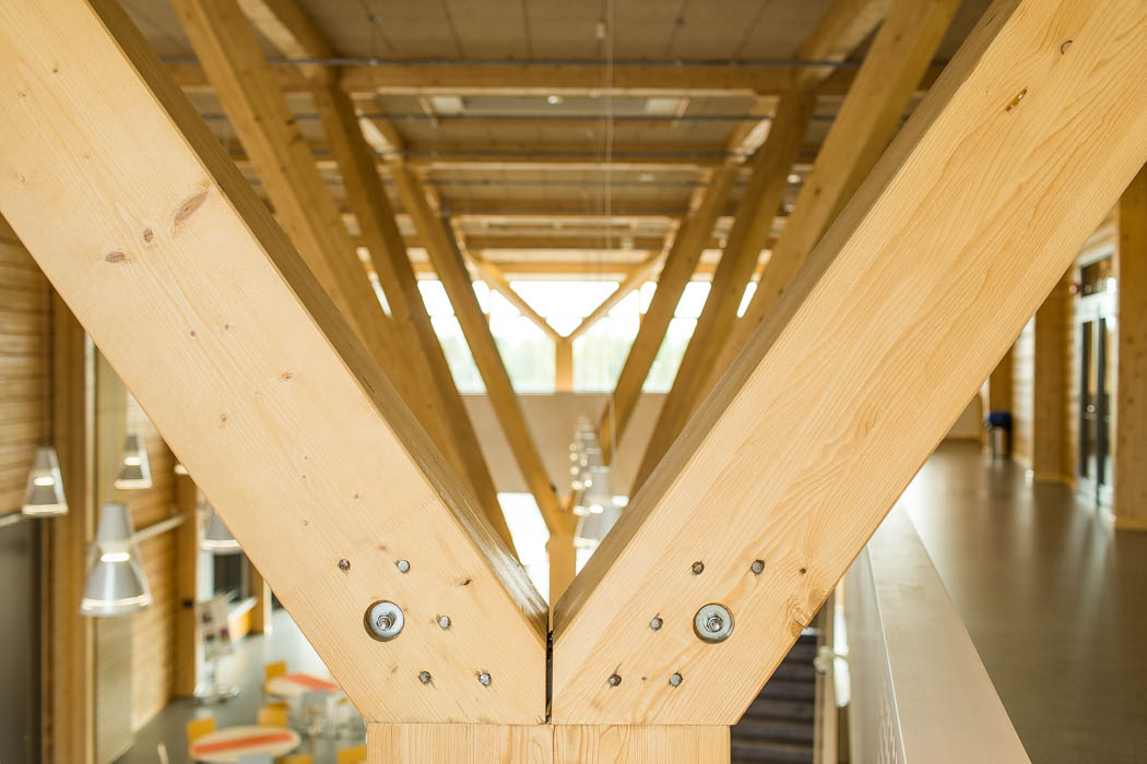 Pudasjärvi Log Campus – Supporting beams.