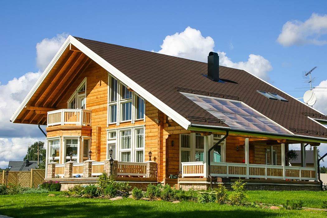Log house model Scandinavia with classic long corner by Rovaniemi Log House.