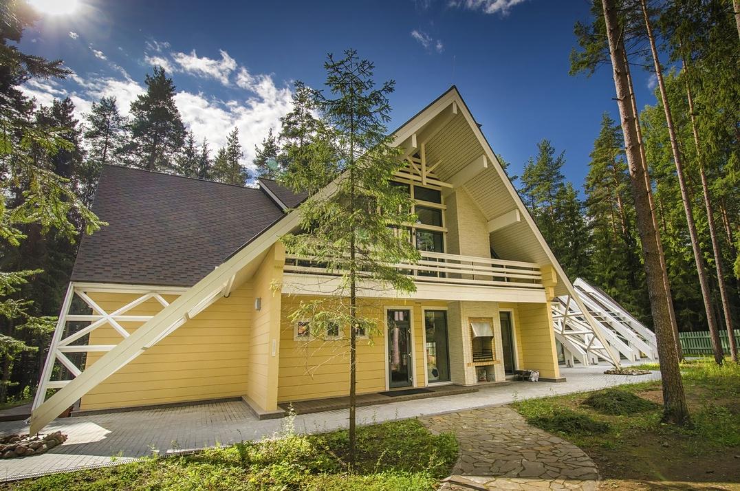 L Exterieure D Une Maison En Bois Du Style Scandinave Par Rovaniemi