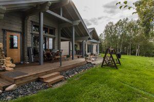 Rovaniemelle rakennettu Rovaniemi Hirsitalojen romanttinen hirsimökki