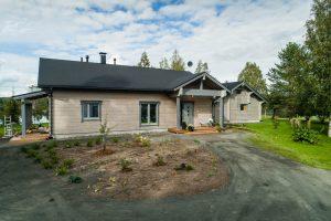 Rovaniemelle rakennettu Rovaniemi Hirsitalojen puutalo