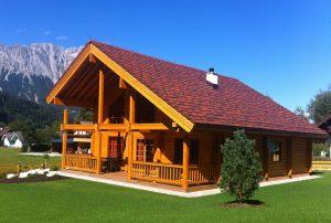 Rovaniemi Hirsitalojen Itävaltaan toimittama romanttinen puutalo