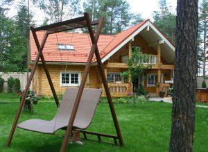 Ruotsalaistyylinen Rovaniemi Hirsitalojen puutalo