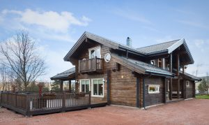 Aito log house in Norway: quality wooden homes